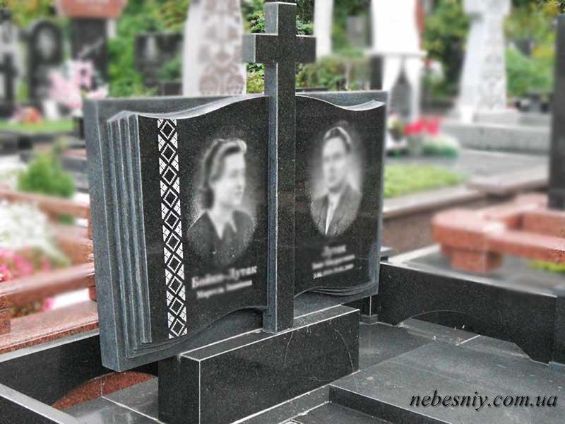 Памятники из гранита с крестом в 3 нити заказать памятник на могилу цена с фото